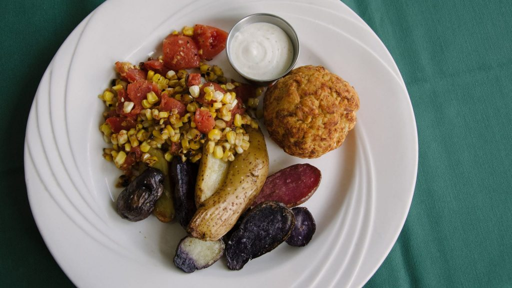 The Westlawn Inn Crabcake Dinner